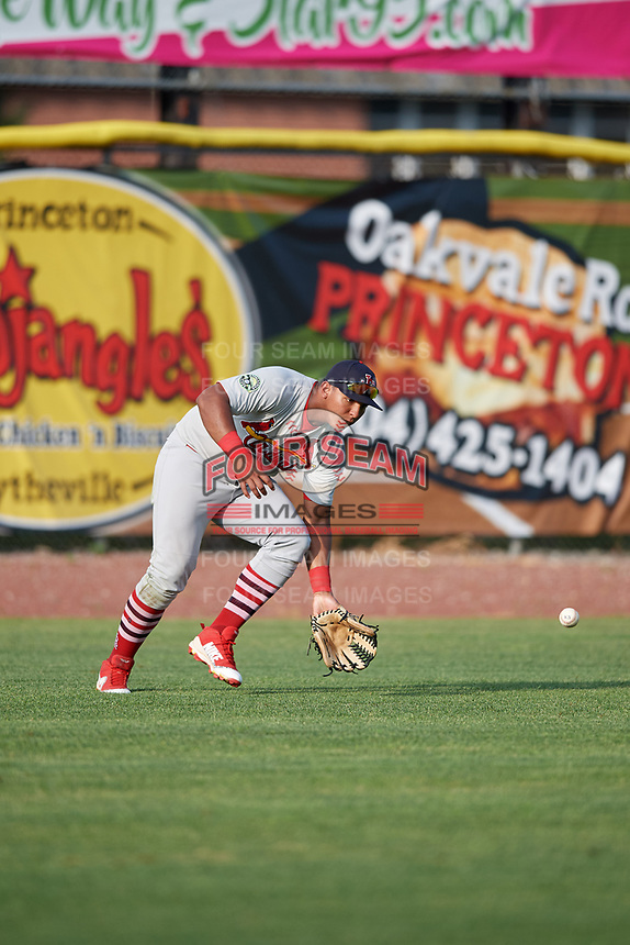 Johnson City Cardinals left fielder Leandro Cedeno (5) fields a ball during the first game of a doubleheader against the Princeton Rays on August 17, 2018 at Hunnicutt Field in Princeton, Virginia.  Johnson City defeated Princeton 6-4.  (Mike Janes/Four Seam Images)