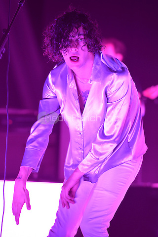 MIAMI FL - MAY 11: Matthew Healy of The 1975 performs at Bayfront Park Amphitheater on May 11, 2016 in Miami, Florida. Credit: mpi04/MediaPunch
