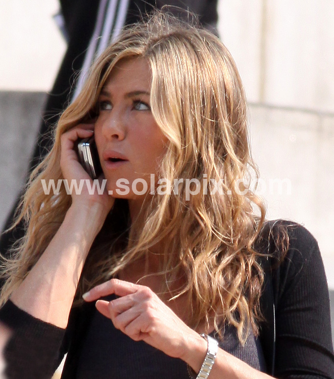 """**ALL ROUND PICTURES FROM SOLARPIX.COM**.**SYNDICATION RIGHTS FOR UK, AUSTRALIA, DENMARK, PORTUGAL, S. AFRICA, SPAIN & DUBAI (U.A.E) ONLY**.Jennifer Aniston filming """"The Bounty"""" at a Courthouse in New York City, USA. 4 August 2009..This pic: Jennifer Aniston..JOB REF: 9693 PHZ (Mayer)   DATE: 04_08_2009.**MUST CREDIT SOLARPIX.COM OR DOUBLE FEE WILL BE CHARGED**.**MUST NOTIFY SOLARPIX OF ONLINE USAGE**.**CALL US ON: +34 952 811 768 or LOW RATE FROM UK 0844 617 7637**"""