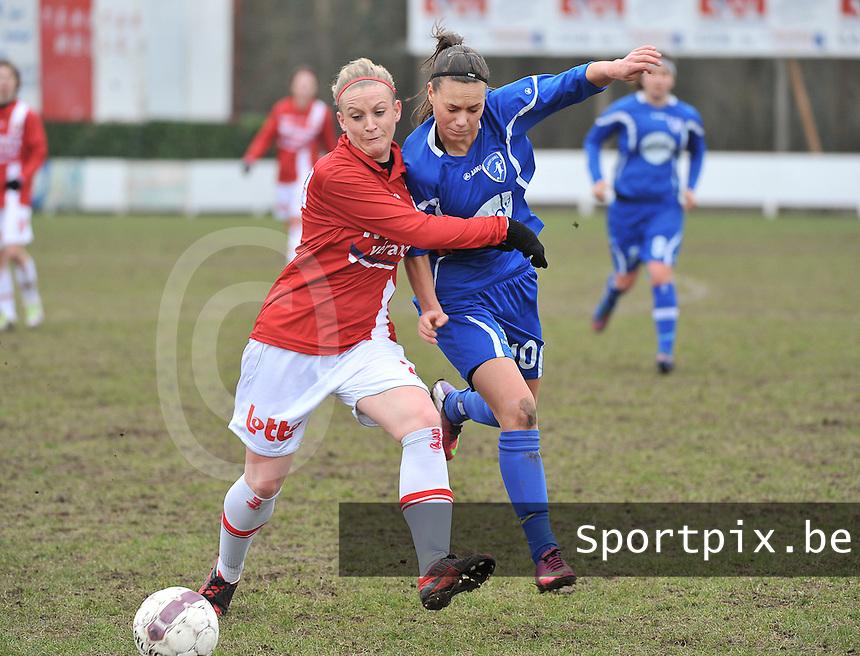 AA Gent Ladies - RAEC Mons : Jassina Blom in duel met Melissa Thil (links).foto Joke Vuylsteke / Vrouwenteam.bee