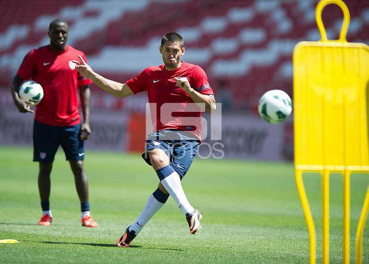 Sandy, Utah - Monday, June 17, 2013: USMNT training at Rio Tinto stadium in preparation for a WC Qualifier with Honduras.