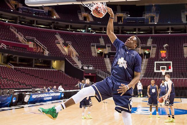 Mar. 26, 2015; Practice at Quicken Loans Arena. (Photo by Matt Cashore/University of Notre Dame)