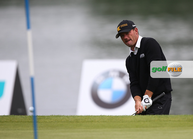 Alex Cejka (GER) chips onto the last during the Final Round of the BMW International Open 2014 from Golf Club Gut Lärchenhof, Pulheim, Köln, Germany. Picture:  David Lloyd / www.golffile.ie