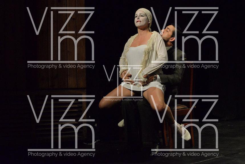 """BOGOTÁ-COLOMBIA-09-04-2014. Ensayo de la obra """"Toda Desnudez es Castigada"""" de la compañia SESC reallizado en el Teatro Fany Mikey y que forma parte de la programación del XIV Festival Iberoamericano de Teatro de Bogotá 2014./  Pre show of """"Toda Desnudez es Castigada"""" of the company SESC played at Teatro Fany Mikey as a part of  schedule of the XIV Ibero-American Theater Festival of Bogota 2014.  Photo: VizzorImage/ Diana Sanchez /Str"""