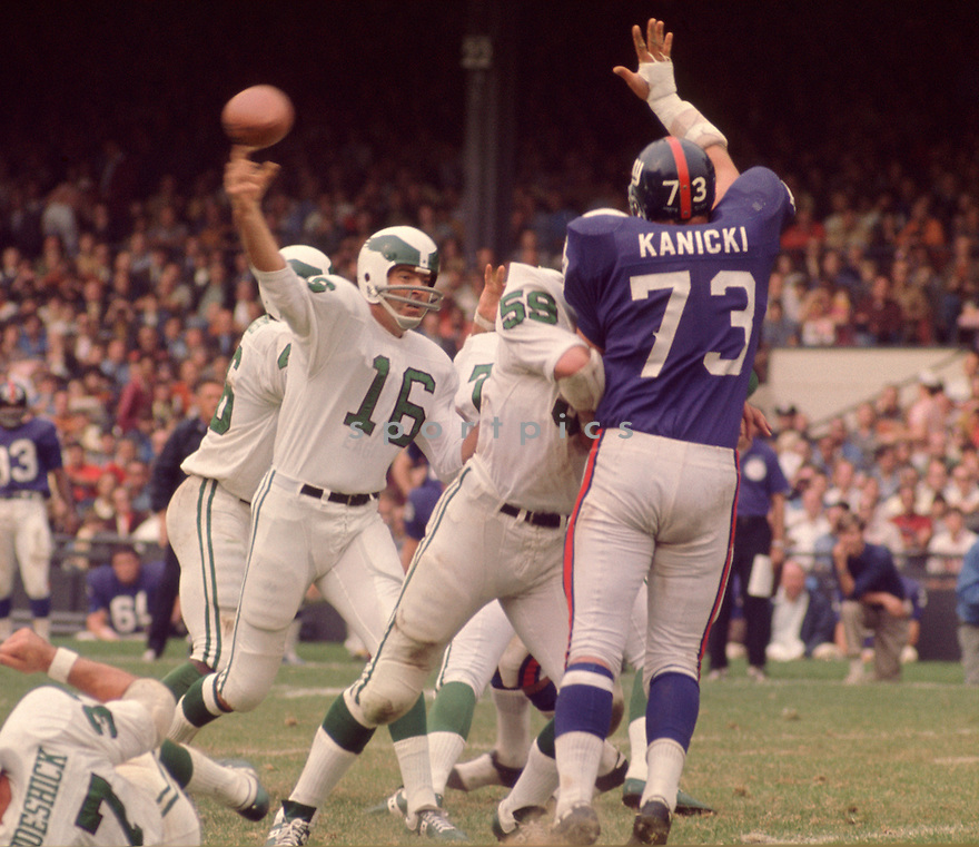Philadelphia Eagles Norm Snead (16) during a game agains the New York Giants on October 11, 1970 at Yankee Stadium in the Bronx, New York. The Philadelphia Eagles beat the Minnesota Vikings 30-23.  Bob Lilly  played for 17 season with 5 different teams and was a 4-time Pro Bowler.(SportPics)