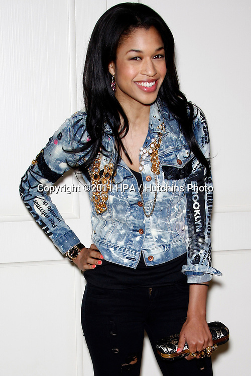 """LOS ANGELES - APR 13:  Kali Hawk arriving at the Kimberly Snyder Book Party For """"The Beauty Detox Solution"""" at London Hotel on April 13, 2011 in West Hollywood, CA"""