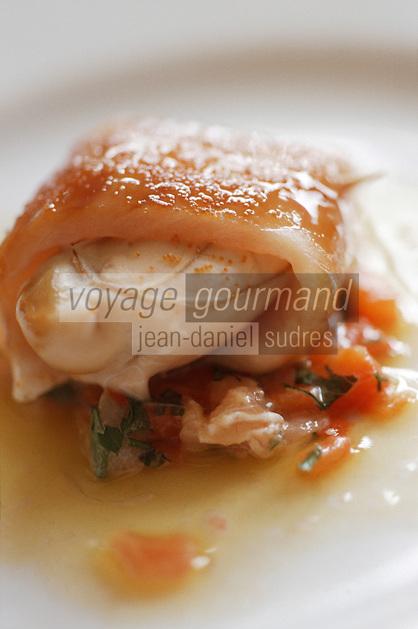 """Europe/France/Bretagne/29/Finistère/Pont Aven: Thon blanc et huitre pochée - Recette de Guy Guilloux chef du restaurant """"La Taupinière"""""""
