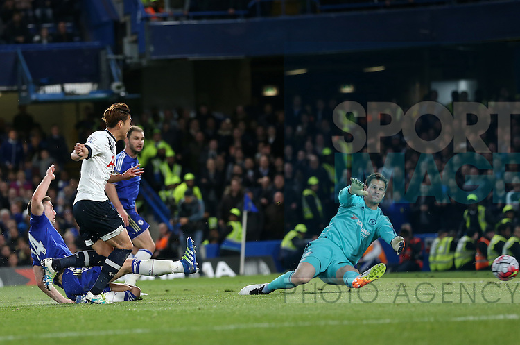 Tottenham's Heung-Min Son scoring his sides second goal during the Barclays Premier League match at Stamford Bridge Stadium.  Photo credit should read: David Klein/Sportimage