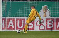 Torwart Marcel Schuhen (SV Darmstadt 98) - 29.10.2019: SV Darmstadt 98 vs. Karlsruher SC, Stadion am Boellenfalltor, 2. Runde DFB-Pokal<br /> DISCLAIMER: <br /> DFL regulations prohibit any use of photographs as image sequences and/or quasi-video.