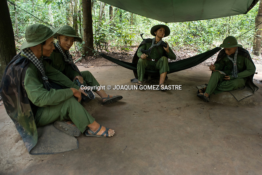 In the vicinity of Ho Chi Minh, there are Cu Chi tunnels, one of the most significant memoirs of the Vietnam War, where you can see the ingenuity and methods used by the Vietnamese army, with reproductions like the puppets that illustrate Life in a camp in the jungle.<br /> HO CHI MINH-VIETNAM