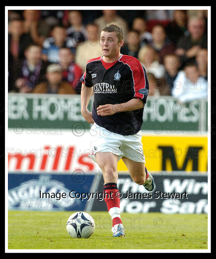 01/10/2006       Copyright Pic: James Stewart.File Name :sct_jspa24_falkirk_v_celtic.FALKIRK FC :: THOMAS SCOBBIE.....Payments to :.James Stewart Photo Agency 19 Carronlea Drive, Falkirk. FK2 8DN      Vat Reg No. 607 6932 25.Office     : +44 (0)1324 570906     .Mobile   : +44 (0)7721 416997.Fax         : +44 (0)1324 570906.E-mail  :  jim@jspa.co.uk.If you require further information then contact Jim Stewart on any of the numbers above.........