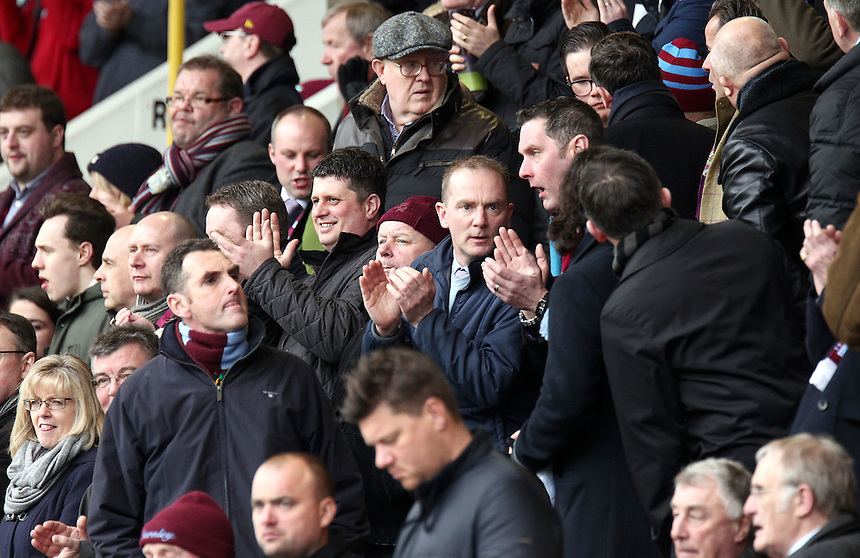Burnley applaud their side as they take to the pitch before kick-off<br /> <br /> Photographer Rich Linley/CameraSport<br /> <br /> Football - Barclays Premiership - Burnley v Swansea City - Friday 27th February 2015 - Turf Moor - Burnley<br /> <br /> &copy; CameraSport - 43 Linden Ave. Countesthorpe. Leicester. England. LE8 5PG - Tel: +44 (0) 116 277 4147 - admin@camerasport.com - www.camerasport.com