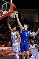 GRONINGEN - Basketbal, Donar - Den Helder, Dutch Basketbal League, seizoen 2019-2020, 09-02-2020,  Donar speler Leon Williams in duel met Den Helder speler Ole Hoogsteden