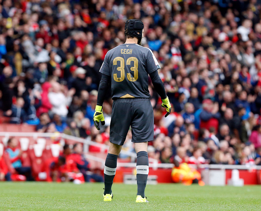 Arsenal's Petr Cech<br /> <br /> Photographer Kieran Galvin/CameraSport<br /> <br /> Football - Emirates Cup - Arsenal v Wolfsburg - Sunday 26th July 2015 - Emirates Stadium - London <br /> <br /> &copy; CameraSport - 43 Linden Ave. Countesthorpe. Leicester. England. LE8 5PG - Tel: +44 (0) 116 277 4147 - admin@camerasport.com - www.camerasport.com