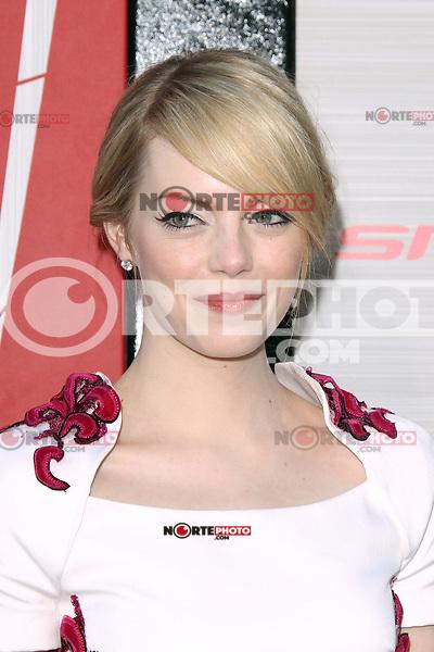 Emma Stone at the premiere of Columbia Pictures' 'The Amazing Spider-Man' at the Regency Village Theatre on June 28, 2012 in Westwood, California. &copy; mpi22/MediaPunch Inc. *NORTEPHOTO.COM*<br /> **CREDITO*OBLIGATORIO** *No*Venta*A*Terceros* *No*Sale*So*third* *No*Se *Permite*Hacer*Archivo**