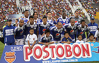 IBAGUE - COLOMBIA-26-05 -2013: Formación de Millonarios ante Tolima    durante partido en el estadio Manuel   Murillo Toro  de la ciudad de Ibagué , mayo 26  de 2013. partido por la  fecha Diez y siete de la Liga Postobon I. (Foto: VizzorImage / Felipe Caicedo / Staff). Millionaires team to Tolima during party in the Manuel Murillo Toro stadium in Ibague, May 26, 2013. match the date of Seventeen League Europa League I..VizzorImage / Felipe Caicedo / Staff