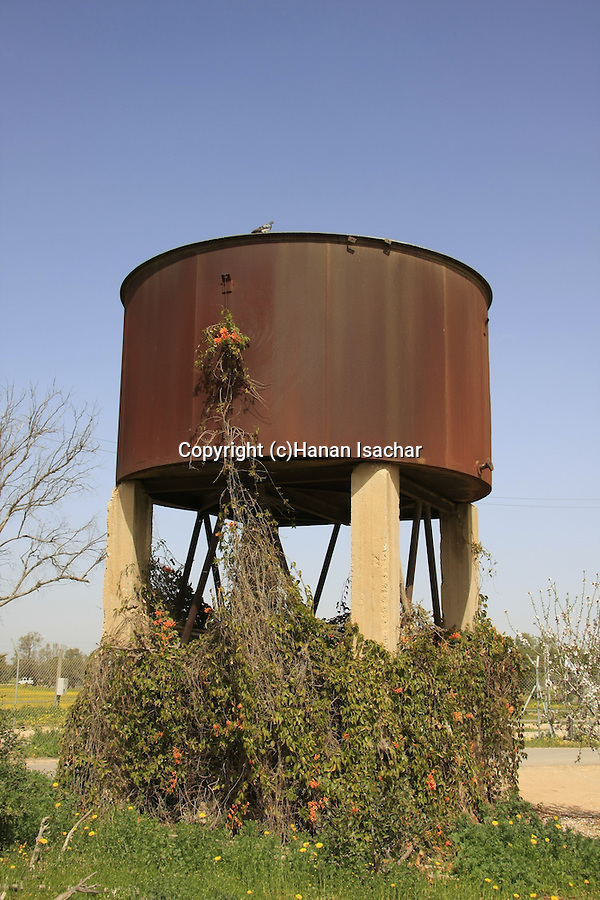 Israel, Besor region in the Negev. The old water tower in Kibbutz Tzeelim