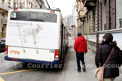 Genève, le 30.03.2009.affiches publicitaire catholique représentant l'agneau pascal.© Le Courrier / J.-P. Di Silvestro