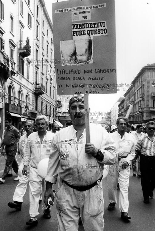 Ott 1990, Milano, sciopero generale per il rinnovo del contratto<br /> Oct 1990, Milan, general strike for the renewal of the contract