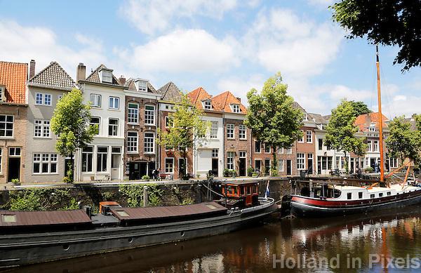Nederland  Den Bosch  2016 .  Huizen aan de Brede Haven.  Foto  Berlinda van Dam / Hollandse Hoogte