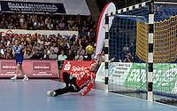 Handball 1. Bundesliga Frauen / Damen - DHB - Punktspiel - HC Leipzig (HCL) : Thüringer HC (THC) - Arena Leipzig - im Bild:    Torfrau Katja Schuelke (HCL).   Foto: Norman Rembarz..Norman Rembarz , Autorennummer 41043728 , Augustenstr. 2, 04317 Leipzig, Tel.: 01794887569, Hypovereinsbank: BLZ: 86020086, KN: 357889472, St.Nr.: 231/261/06432 - Jegliche kommerzielle Nutzung ist honorar- und mehrwertsteuerpflichtig! Persönlichkeitsrechte sind zu wahren. Es wird keine Haftung übernommen bei Verletzung von Rechten Dritter. Autoren-Nennung gem. §13 UrhGes. wird verlangt. Weitergabe an Dritte nur nach  vorheriger Absprache. Online Nutzung ist separat kostenpflichtig !.