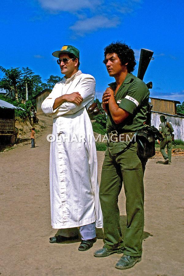 Exército e igreja na Nicarágua. 1983. Foto de Cynthia Brito.