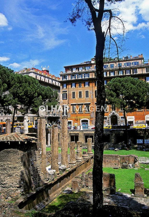Ruínas Romanas no centro de Roma. Itália. 2000. Foto de Vinicius Romanini.