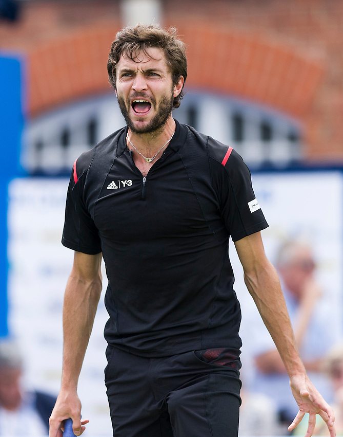 Gilles Simon of France in action during his defeat to Kyle Edmund of Great Britain in their Men&rsquo;s Singles First Round match - Kyle Edmund (GBR) def Gilles Simon (FRA) 6-4, 3-6, 6-1<br /> <br /> Photographer Ashley Western/CameraSport<br /> <br /> Tennis - Aegon Championships 2016- Day 3 - Wednesday 15th June 2016 - Queen's Club - London <br /> <br /> World Copyright &copy; 2016 CameraSport. All rights reserved. 43 Linden Ave. Countesthorpe. Leicester. England. LE8 5PG - Tel: +44 (0) 116 277 4147 - admin@camerasport.com - www.camerasport.com