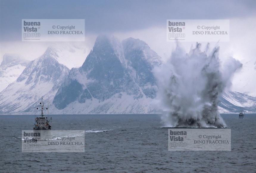 - Norwegian navy, explosion of a mine<br /> <br /> - marina militare norvegese, esplosione di una mina