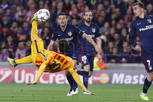 05.04.2016 Nou Camp, Barcelona, Spain. Uefa Champions League Quarter-finals 1st leg. FC Barcelona against Atletico de Madrid.  Leo Messi with a spectacular overhead kick the crept wide of the Atletico post