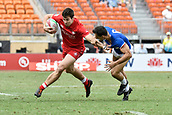 2nd February 2019, Spotless Stadium, Sydney, Australia; HSBC Sydney Rugby Sevens; Canada versus France; Matt Mullins of Canada runs past Paulin Riva of France
