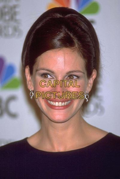 JULIA ROBERTS..Golden Globe Awards ..Ref: 10304..grin, elegant, headshot, portrait..www.capitalpictures.com..sales@capitalpictures.com..©Capital Pictures