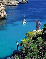 ESP, Spanien, Balearen, Menorca, Cala en Brut: Felsbadebucht bei Ciutadella | ESP, Spain, Balearic Islands, Menorca, Cala en Brut: Bay near Ciutadella