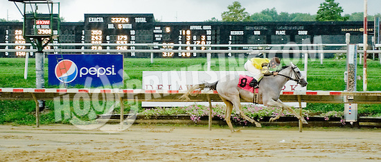 Gimme winning at Delaware Park on 9/3/12