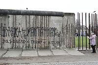 31.12.2018 - Pixação contra Trump e Bolsonaro no Muro de Berlim