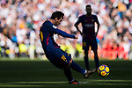 Lionel Andres Messi of FC Barcelona in action during the La Liga 2017-18 match between Real Madrid and FC Barcelona at Santiago Bernabeu Stadium on December 23 2017 in Madrid, Spain. Photo by Diego Gonzalez / Power Sport Images