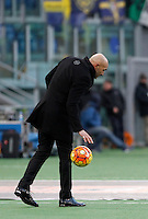 Calcio, Serie A: Roma vs Hellas Verona. Roma, stadio Olimpico, 17 gennaio 2016.<br /> Roma&rsquo;s coach Luciano Spalletti touches the ball during the Italian Serie A football match between Roma and Hellas Verona at Rome's Olympic stadium, 17 January 2016.<br /> UPDATE IMAGES PRESS/Isabella Bonotto