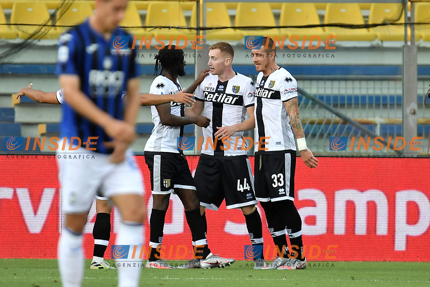 Dejan Kulusevski of Parma celebrates with Gervinho and Jasmin Kurtic after scoring the goal of during the Serie A football match between Parma Calcio and Atalanta BC at Ennio Tardini stadium in Parma (Italy), July 28th, 2020. Play resumes behind closed doors following the outbreak of the coronavirus disease. Photo Andrea Staccioli / Insidefoto