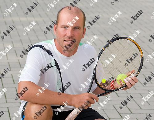 2010-09-07 / tennis / TC De Bempdekens / Steve Cornelissen..Foto: Mpics
