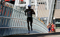 29 JUL 2007 - SALFORD, UK - Tim Don battles in vain to hold onto the lead from the chasing pack - Salford ITU World Cup Triathlon. (PHOTO (C) NIGEL FARROW)