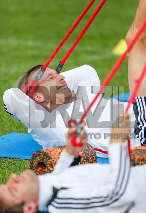 GDANSK, POLONIA, 25 JUNHO 2012 - EURO 2012 - TREINO ALEMANHA - Lukas Podolski jogador alemao durante treino preparatorio da equipe nesta segunda-feira, 25. A Alemanha enfrenta a Italia pelas semi-finais da Euro no Estadio Nacional de Varsovia no proximo dia 28. (FOTO: PIXATHLON / BRAZIL PHOTO PRESS).