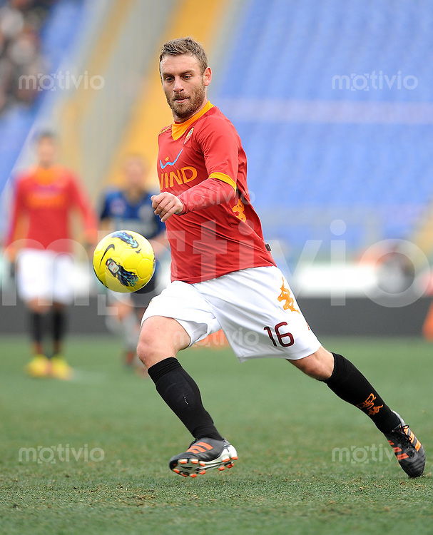 FUSSBALL INTERNATIONAL   SERIE A   SAISON 2011/2012    AS Rom - Inter Mailand  05.01.2012 Daniele De Rossi (AS Rom)