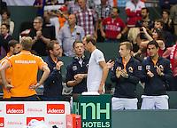 Switserland, Genève, September 20, 2015, Tennis,   Davis Cup, Switserland-Netherlands, Thiemo de Bakker (NED) salutes his team<br /> Photo: Tennisimages/Henk Koster