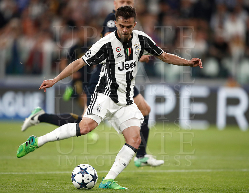 Football Soccer: UEFA Champions League semifinal second leg Juventus - Monaco, Juventus stadium, Turin, Italy,  May 9, 2017. <br /> Juventus' Miralem Pjanic in action during the Uefa Champions League football match between Juventus and Monaco at Juventus stadium, on May 9, 2017.<br /> UPDATE IMAGES PRESS/Isabella Bonotto