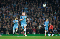 Kevin De Bruyne of Manchester City chases down the ball during the UEFA Champions League match between Manchester City and Barcelona at the Etihad Stadium, Manchester, England on 1 November 2016. Photo by Andy Rowland / PRiME Media Images.