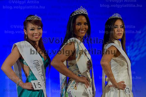 Jeuoy Nathalie (center), Van Kiet Hoa Sandra (left), Viktoria Nguyen Viet (right) winners of the Miss Asia Europe beauty contest held in Budapest, Hungary, Saturday, 05. December 2009. ATTILA VOLGYI
