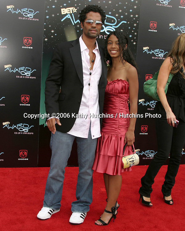 Eric Benet and daughter.BET Awards 2006.Shrine Auditorium.Los Angeles, CA.January 27, 2006.©2006 Kathy Hutchins / Hutchins Photo....