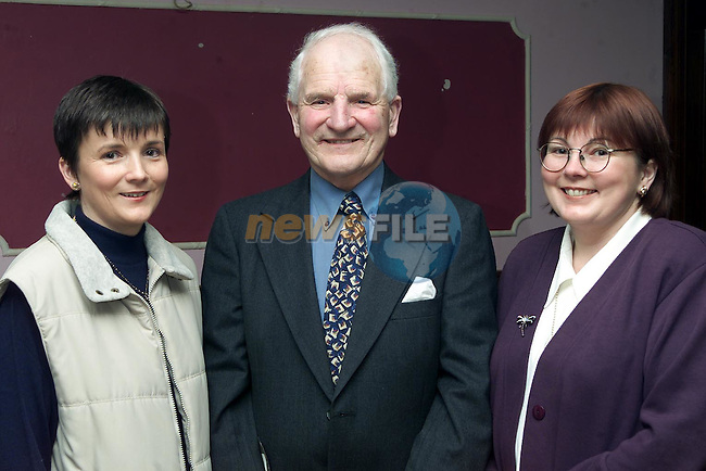 Jimmy Early with his sisters Sheila Kierans from Dunleer and Agatha Sweeney from Termonfeckin at his retirement party from St. Olivers in the Bridgeford..Picture Paul Mohan Newsfile