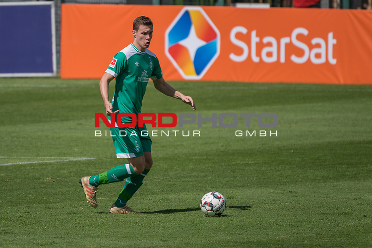 11.01.2019, Bidvest Stadion, Braampark, Johannesburg, RSA, FSP, SV Werder Bremen (GER) vs Bidvest Wits FC (ZA)<br /> <br /> im Bild / picture shows <br /> <br /> Niklas Moisander (Werder Bremen #18)<br /> <br /> Foto © nordphoto / Kokenge