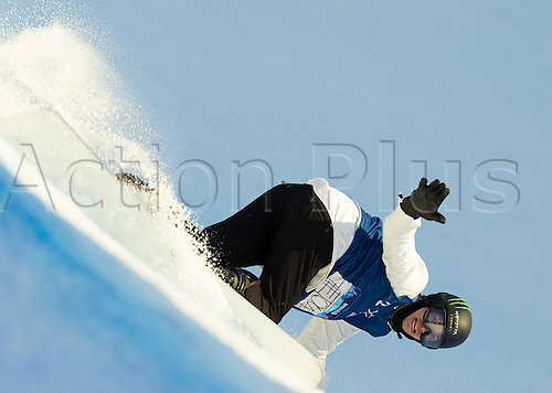 25.02.2016. Wyller Oslo Winter Park, Oslo, Norway.  X Games Oslo 2016. Mens Snowboard SuperPipe Round 1. Iouri Podladtchikov of Switzerland competes in the men's Snowboard SuperPipe elimination  during the X Games Oslo 2016 at the Wyller Oslo winter park in Oslo, Norway.